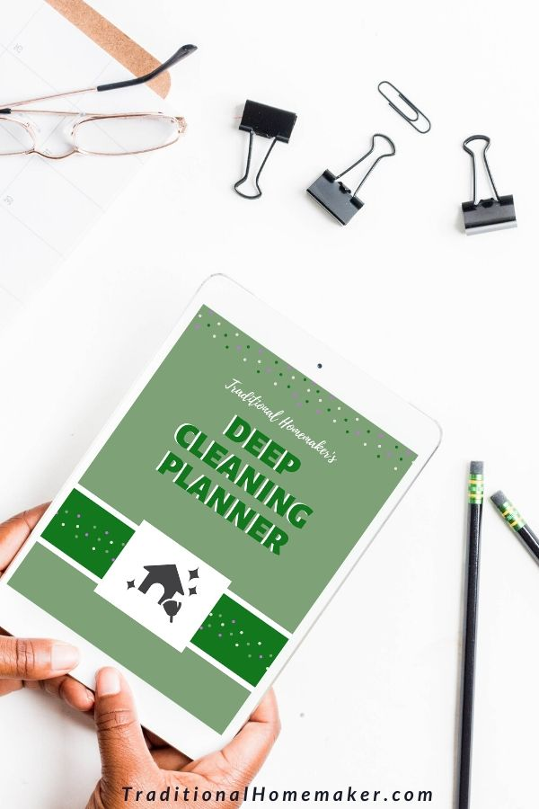 Use this customizable, daily Deep Cleaning Planner to keep your home in order year round!